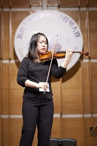 2010-11-1-violin-competition-04--ss.jpg