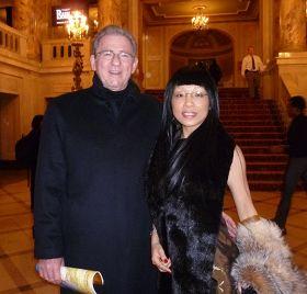 移民華人律師塞布麗娜被神韻的純淨所折服.jpg