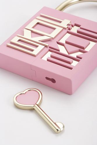 10-06-25-LoveLocker-021.jpg