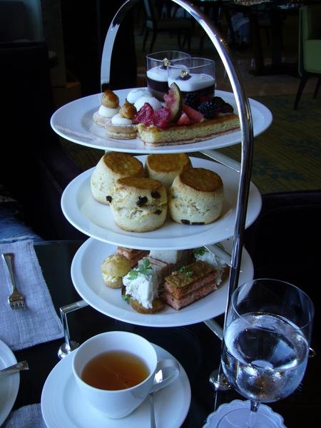 耶耶耶  ^o^ 張仔仔的生日 英式下午茶