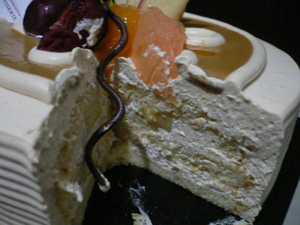 咖啡蛋糕夾布丁唷 ^o^