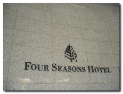 四季........真的好棒唷 ^o^