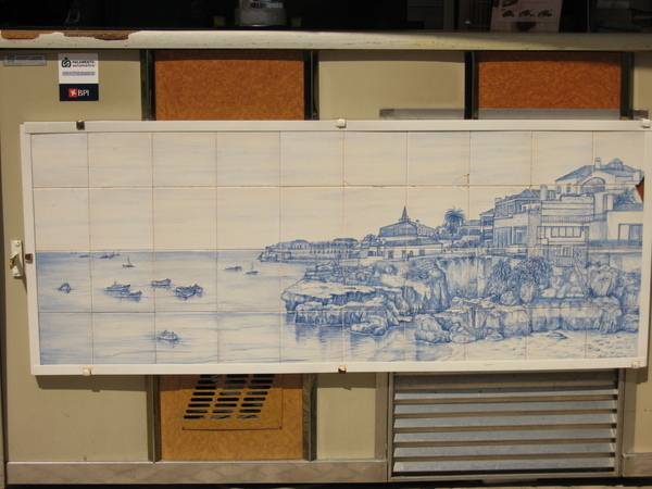 Paco de Aros火車站旁咖啡座~~來張海邊全景的瓷磚照吧