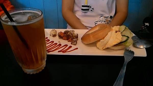貝果拼盤+茉莉綠茶