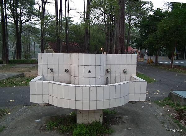 07洗手台.jpg