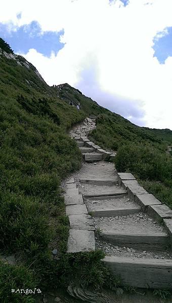 爬山.jpg