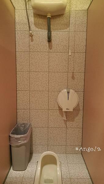 -廁所內部.jpg