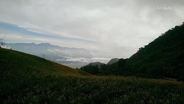 山間雲景.jpg