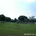 後方看前面營地.jpg