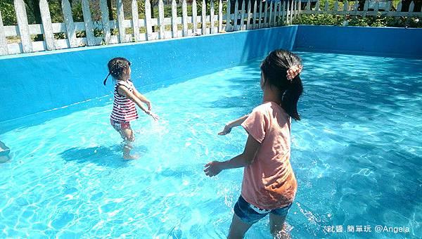 玩水.jpg