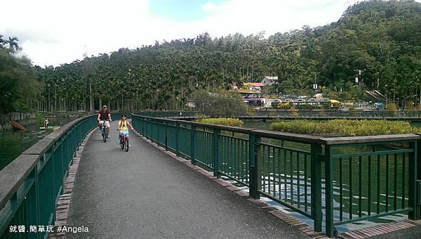 腳踏車環湖.jpg