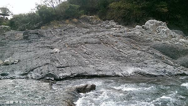 河床景色.jpg