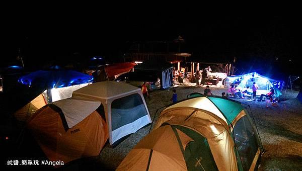 夜晚的營地.jpg