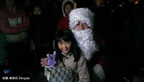 聖誕老公公送禮物2.jpg