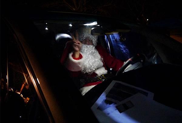 開車的聖誕老公公.jpg