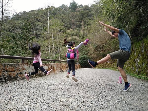跳躍-1.jpg