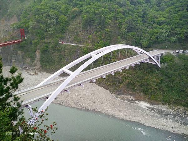 巴陵古道-往橋下望.jpg