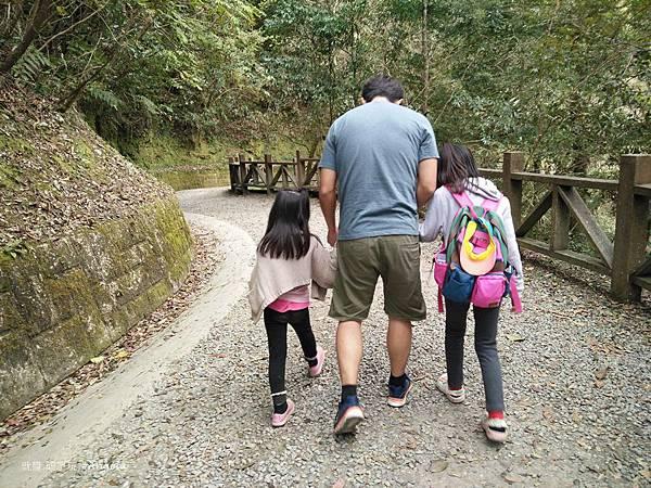 拉拉山自然保護區-父女.jpg