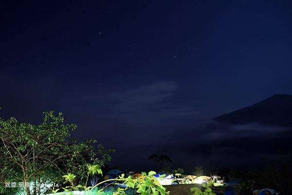 夜景雲霧1.JPG