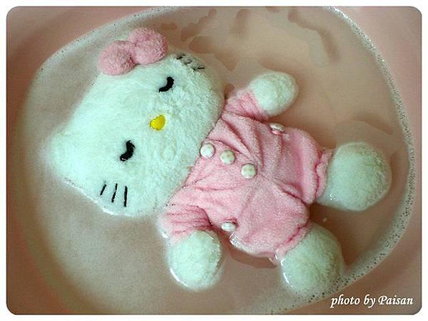 洗澡中的Kitty