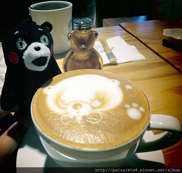 bear cafe3