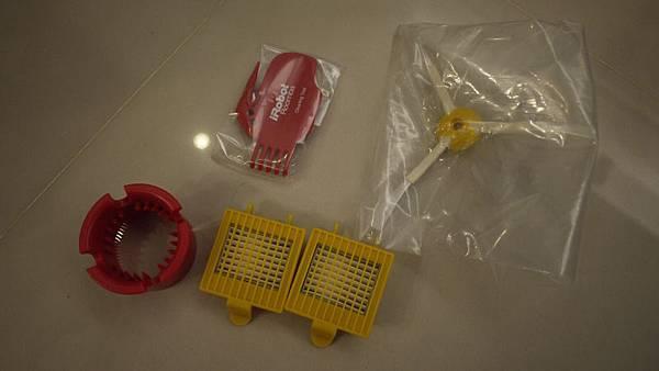 HEPA濾網還有清潔工具