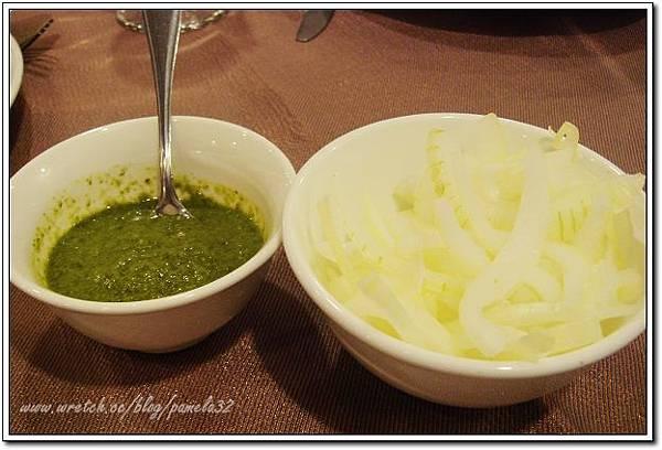 坦都印度餐廳-開胃菜生洋蔥+香菜汁
