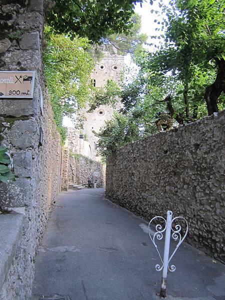 花園外古牆