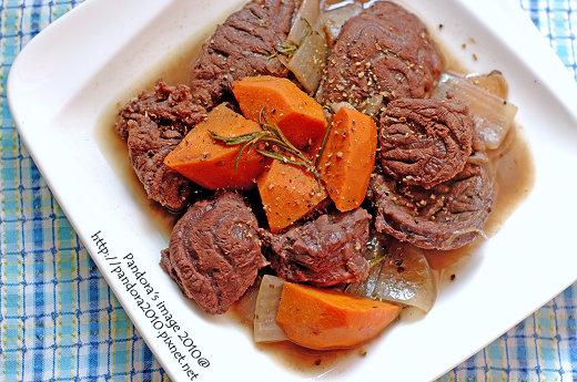 紅酒迷迭香燉牛肉