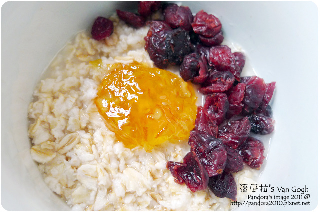 2011.09.21-(桂格)大燕麥片+(康寶)橘子果醬+(統一生機)蔓越莓乾