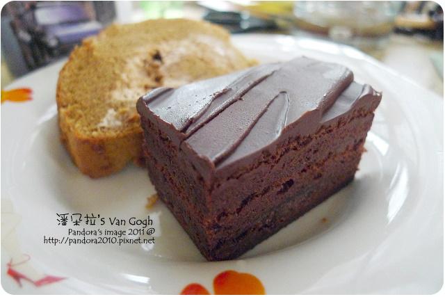 2011.10.21-(金格)咖啡核桃卷&金箔巧克力蛋糕