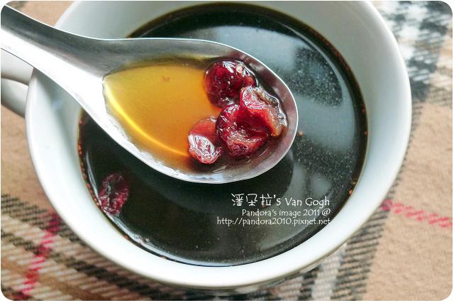 2011.10.28-(老中醫)黑糖+(統一生機)蔓越莓乾