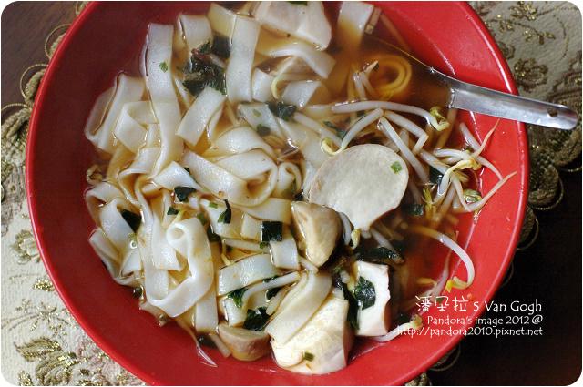 2012.01.02-豆芽菇菇湯粄條