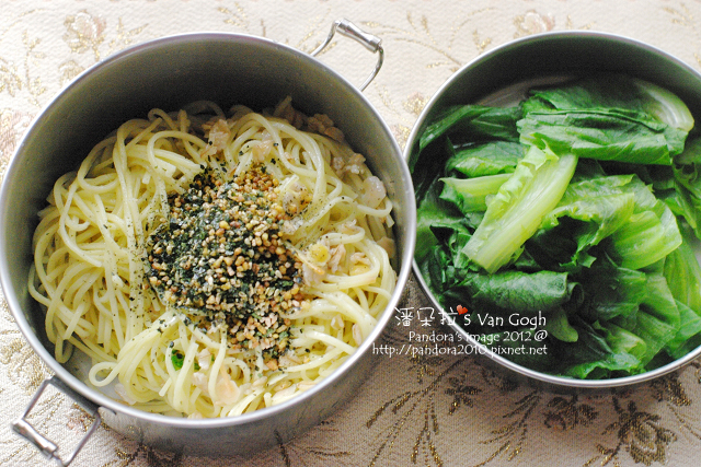 2012.02.25-香鬆橄欖油拌十榖麵、燙萵苣