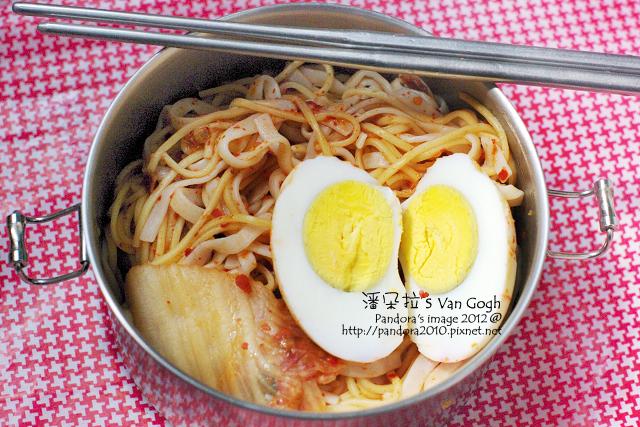2012.03.16-(纖姿纖盈)韓式泡菜蒟蒻麵+雞蛋麵80g+泡菜、水煮蛋
