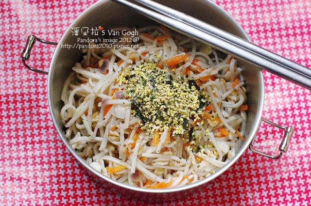 2012.03.21-香鬆橄欖油拌十榖蕎麥麵