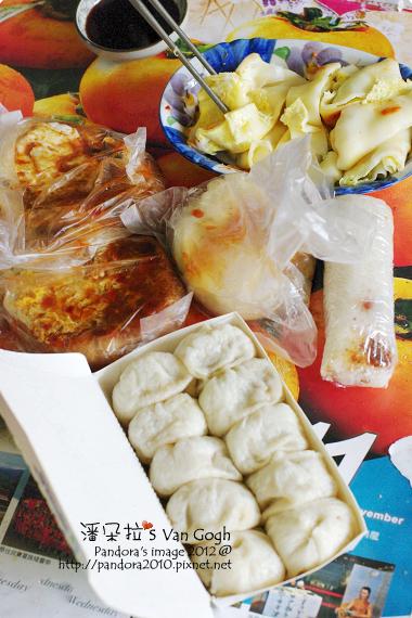 2012.03.23-粄條蛋餅、小籠包、高麗菜餡餅