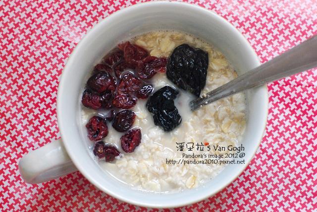 2012.03.27-(桂格)大燕麥片+(統一生機)蜜棗乾&蔓越莓乾