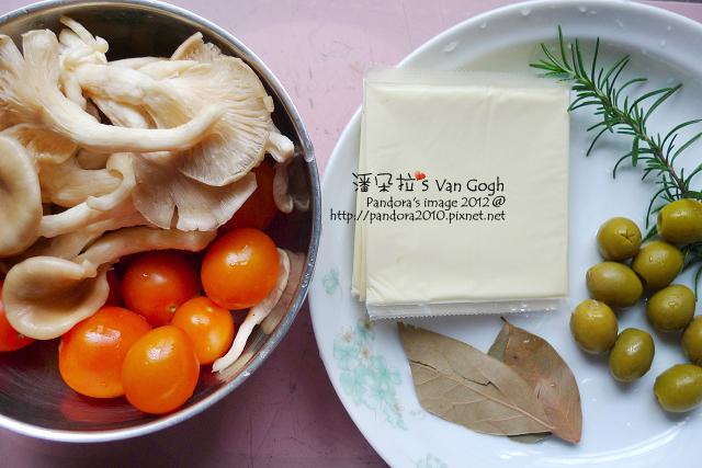 義式乳酪菇沙拉。材料