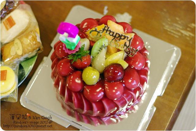 2012.06.02-(亞蘿蔓洋果子)紅粉佳人蛋糕