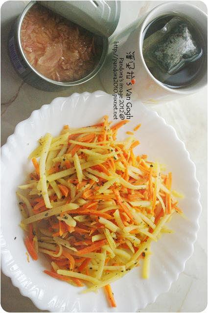 2012.06.19-清爽馬鈴薯胡蘿蔔絲、(遠洋)水煮鮪魚、(大藏)88番杜仲茶