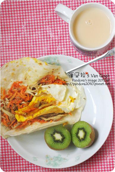 2012.06.20-(統一)原味減糖多多、胡蘿蔔鮮菇起司蛋捲餅、奇異果