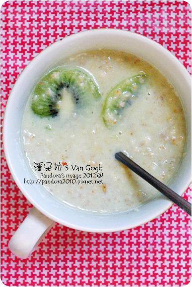2012.06.27-奇異果+(麥維爾)大燕麥片+(桂格)北海道鮮奶麥片-鮮綠抹茶