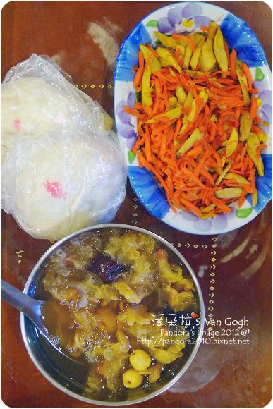 2012.07.11-蔥燒肉包、乾煸杏鮑菇胡蘿蔔絲、雪耳甜湯