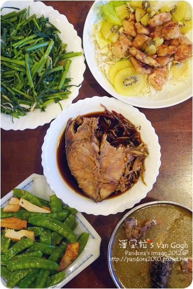 2012.07.14-奇異果雞米花、豆干炒荷蘭豆、炒空心菜、清蒸土魠魚