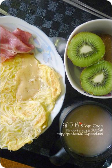 2012.08.10-(萬歲牌)燕麥堅果飲-核桃紅豆、培根麵蛋餅、綠奇異果