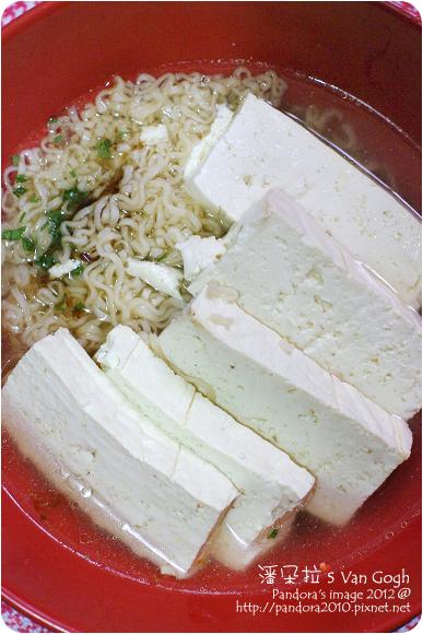 2012.08.16-(統一)肉燥麵、燙豆腐