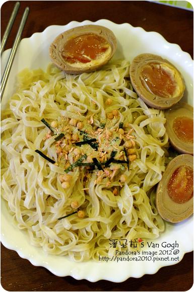 2012.08.24- 鹽水意麵+調味粉、黃金蛋