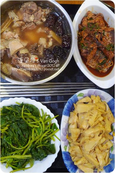 2012.09.10-黑棗雞湯、茄汁鯖魚、炒竹筍、燙地瓜葉