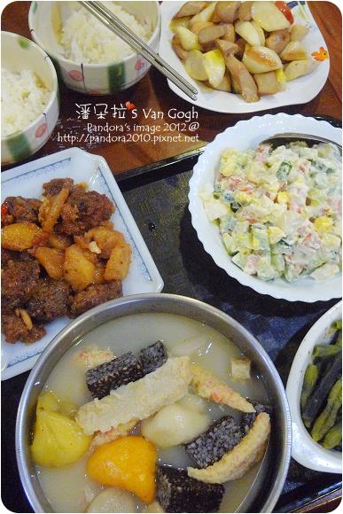 2012.10.02-鈴薯沙拉、魚板金針菇湯、鳳梨排骨酥、杏鮑菇炒筊白筍
